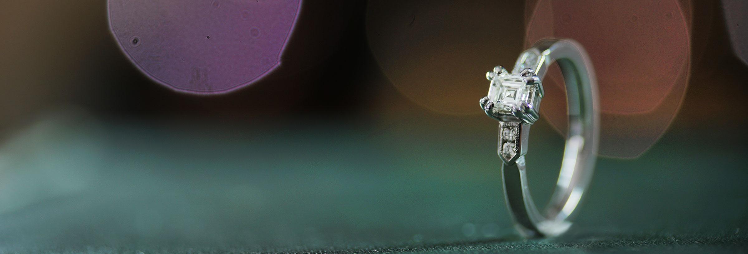 palladium-carre-cut-diamond-with-geometric-shoulder-detailing