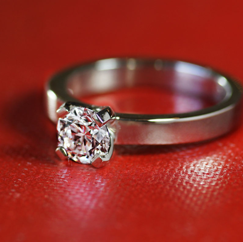 17422-modern-platinum-solitaire-ring-with-rectangular-claws_9.jpg