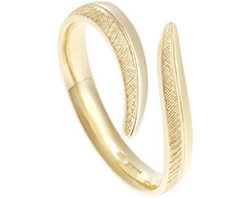 17541-open-end-yellow-gold-wedding-ring-with-engraved-texture_1.jpg