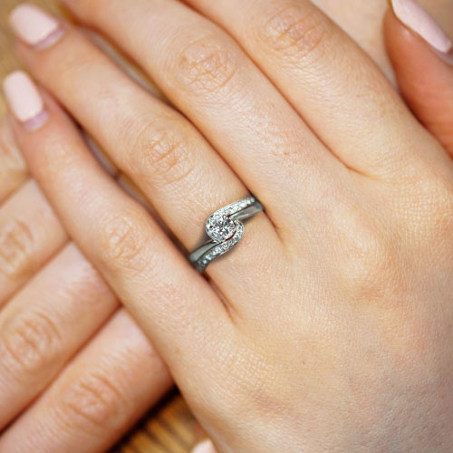 17617-recycled-palladium-twist-style-engagement-and-wedding-ring-set_5.jpg