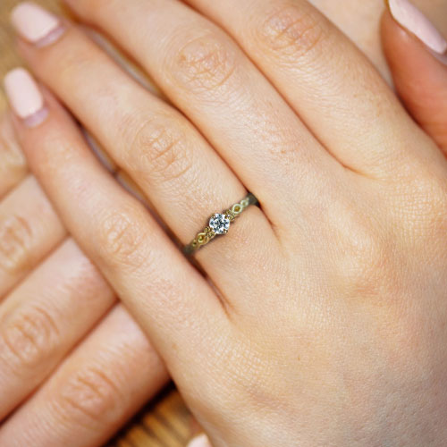 17416-fairtrade-yellow-gold-twisting-vines-solitaire-engagement-ring_5.jpg