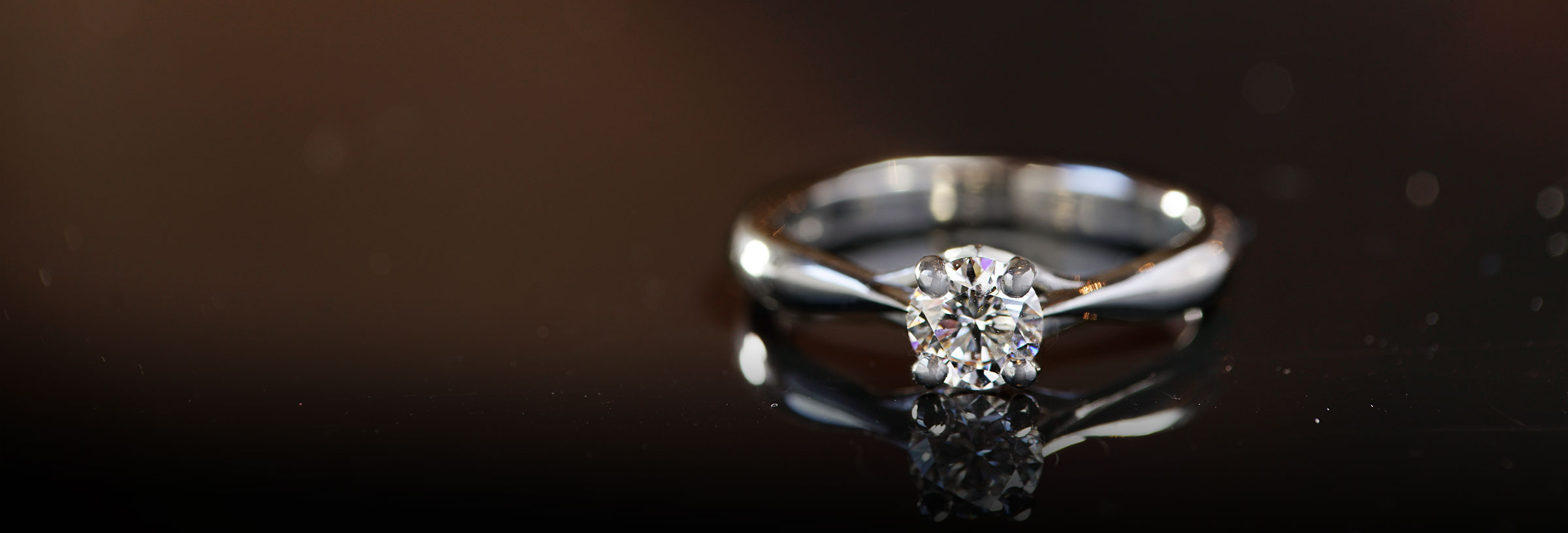 platinum-classic-round-diamond-solitaire-engagement-ring
