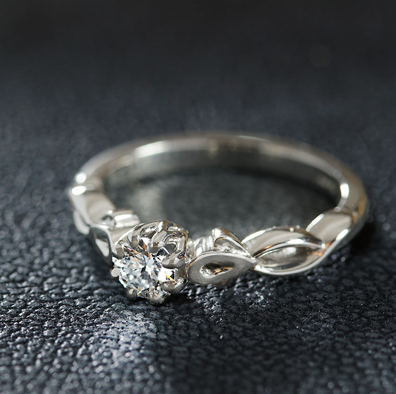 17415-platinum-twisting-vine-inspired-diamond-engagement-ring_9.jpg