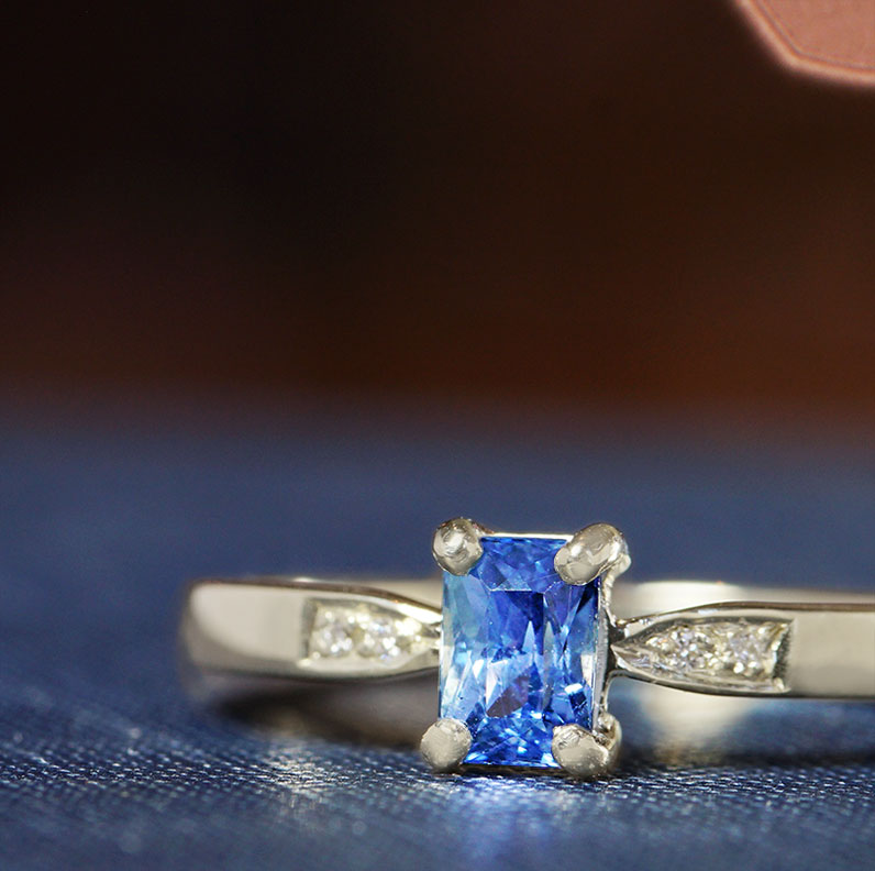 17429-Fairtrade-9-carat-white-gold-with-blue-sapphire-and-diamonds_9.jpg