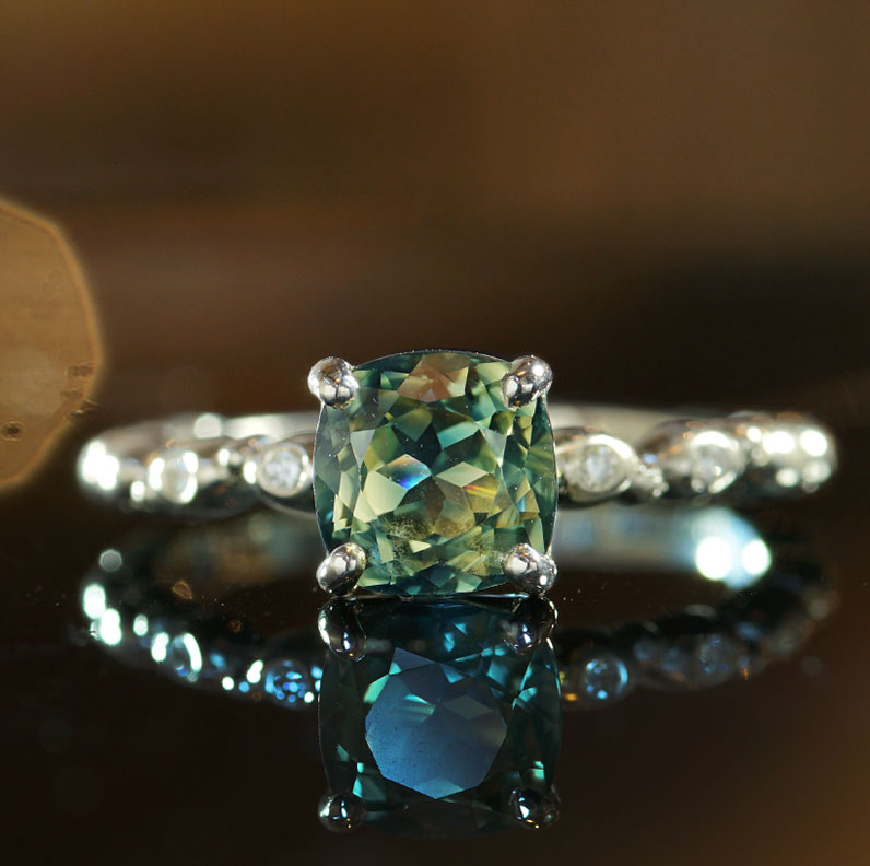 17655-Fairtrade-9-carat-white-gold-botanical-garden-inspired-green-sapphire-ring_9.jpg