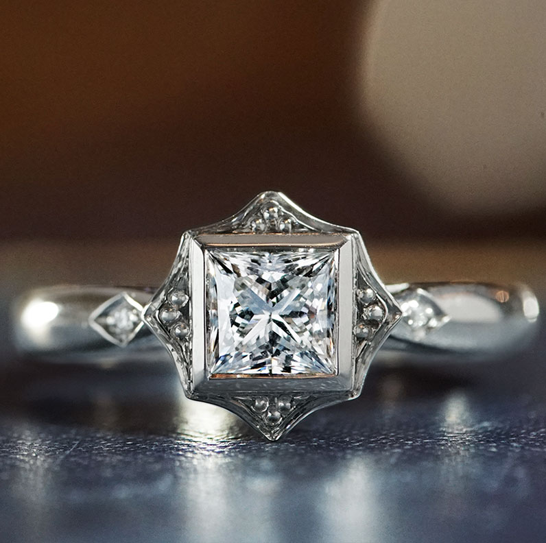 17685-platinum-princess-cut-diamond-engagement-ring-with-shaped-setting_9.jpg