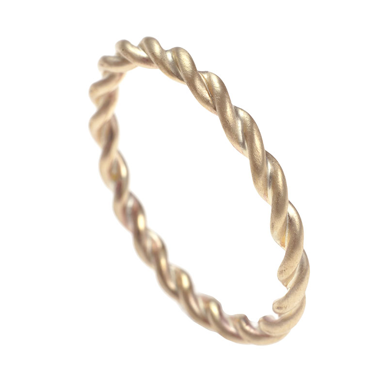 yellow-gold-celtic-twist-ring-with-a-satin-finish-12997_9.jpg