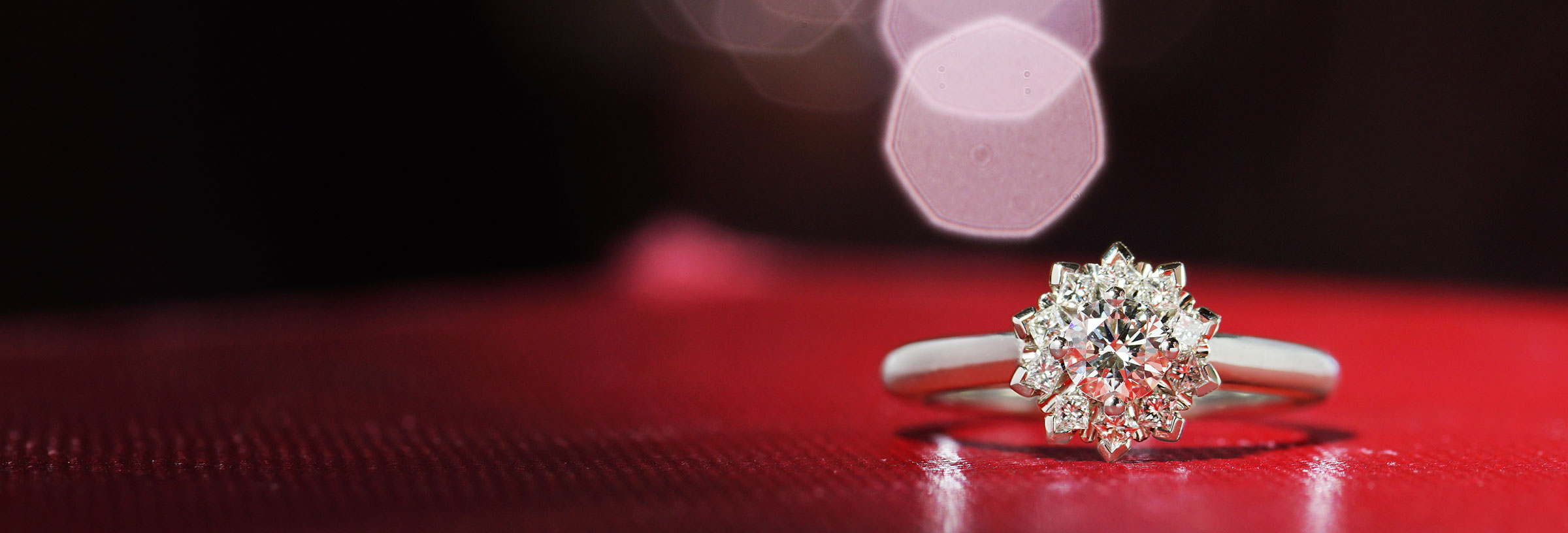 palladium-engagement-ring-with-cluster-halo-design