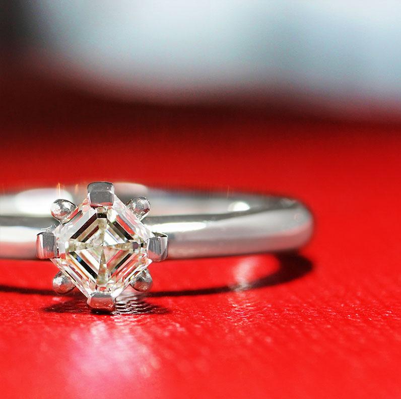 17743-platinum-modern-classic-asscher-cut-diamond-solitarire_9.jpg