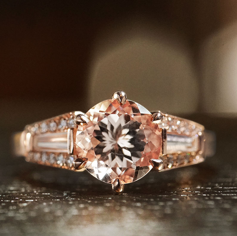 17936-rose-gold-morganite-and-diamond-mixed-cut-engagement-ring_9.jpg