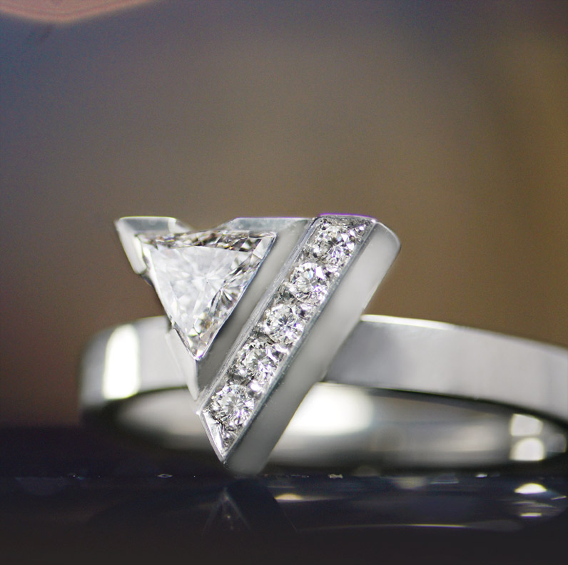18103-dramatic-palladium-engagement-ring-with-diamonds-in-triangular-setting_9.jpg