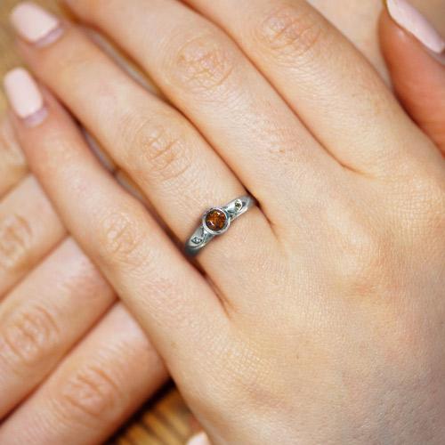 8381-autumn-inspired-amber-sapphire-and-diamond-engagement-ring_5.jpg