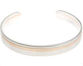 18182-sterling-silver-and-rose-gold-satinised-mens-bangle_1.jpg