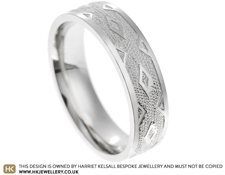 18134-platinum-wedding-band-with-diamond-pattern-relief-engraving_2.jpg