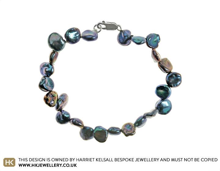 19221-small-peacock-keshi-pearl-full-bracelet_2.jpg