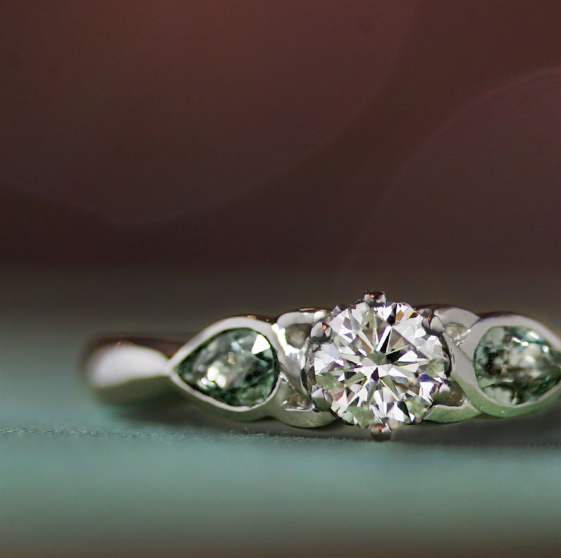 18835-platinum-trilogy-engagement-ring-with-diamond-and-green-sapphires_9.jpg