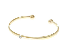 19386-yellow-gold-open-bangle-with-all-around-set-diamond_1.jpg