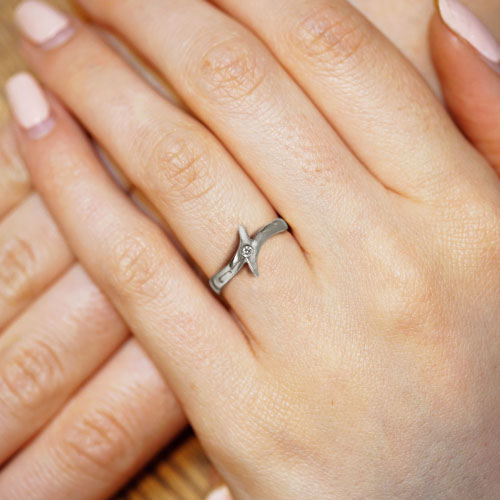 10745-white-gold-and-diamond-asymmetric-engagement-ring_5.jpg