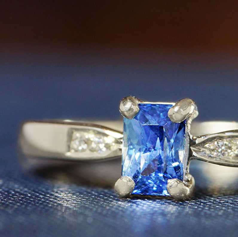 17429-Fairtrade-9-carat-white-gold-blue-sapphire-and-diamonds_9.jpg