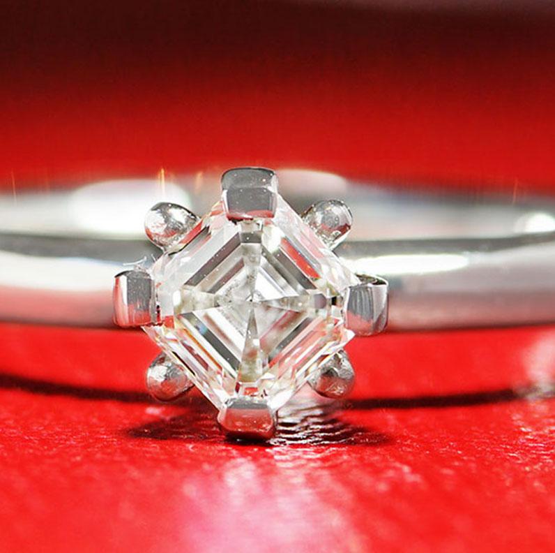 17743-platinum-modern-asscher-cut-diamond-solitarire_9.jpg