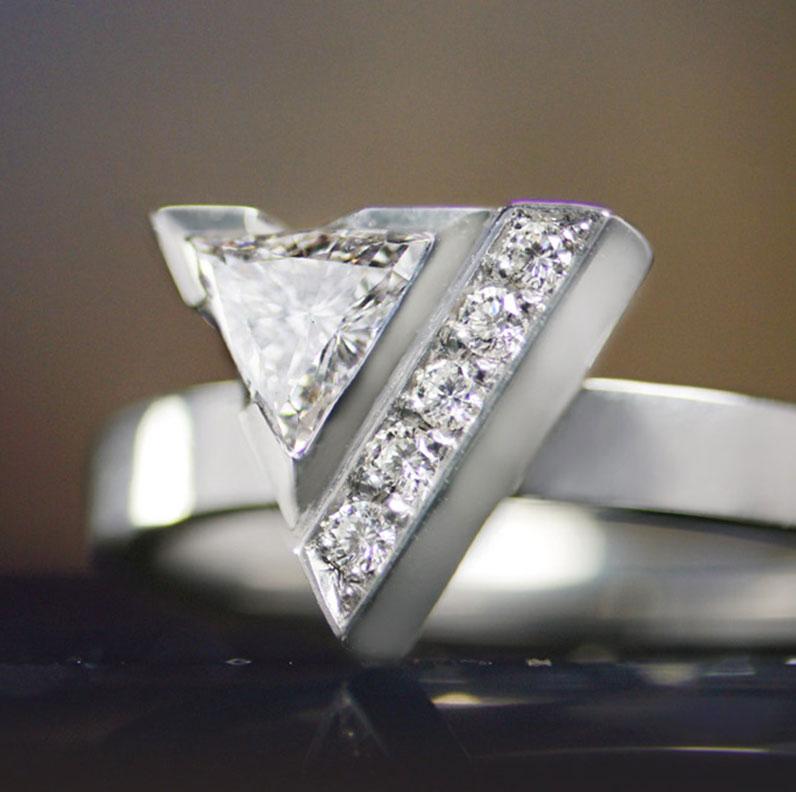 18103-dramatic-palladium-engagement-with-diamonds-in-triangular-setting_9.jpg