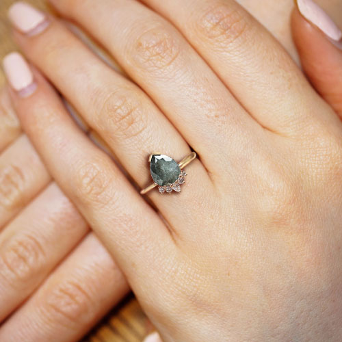 18402-rose-gold-engagement-ring-with-grey-pear-cut-diamond_5.jpg