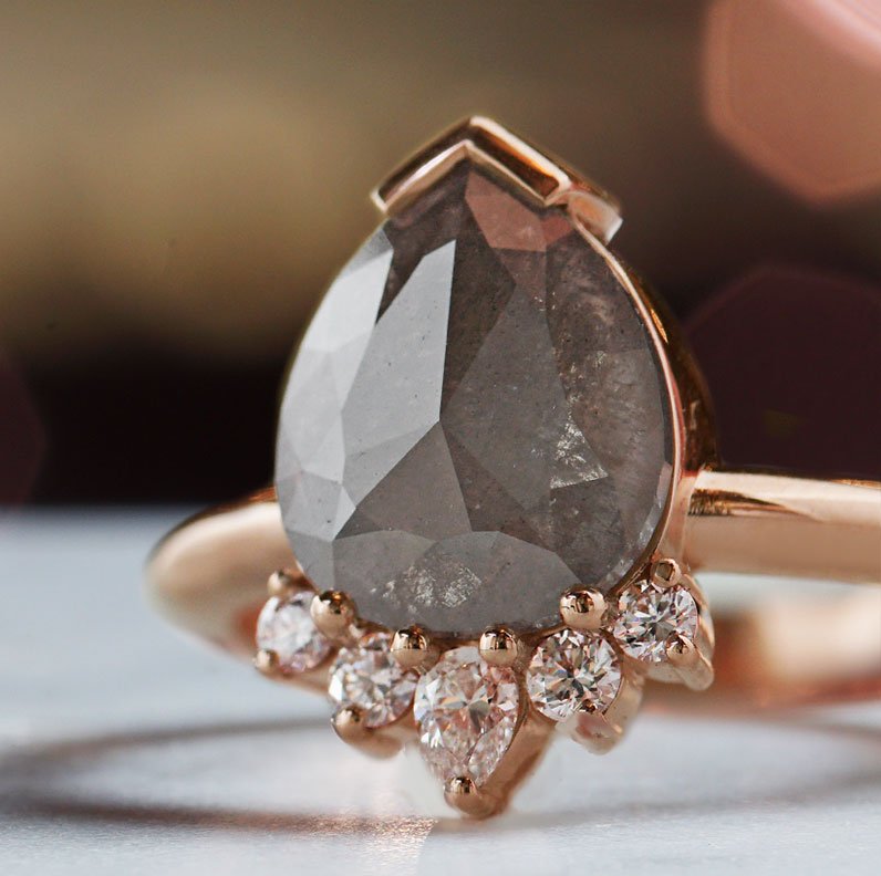 18402-rose-gold-engagement-ring-with-grey-pear-cut-diamond_9.jpg