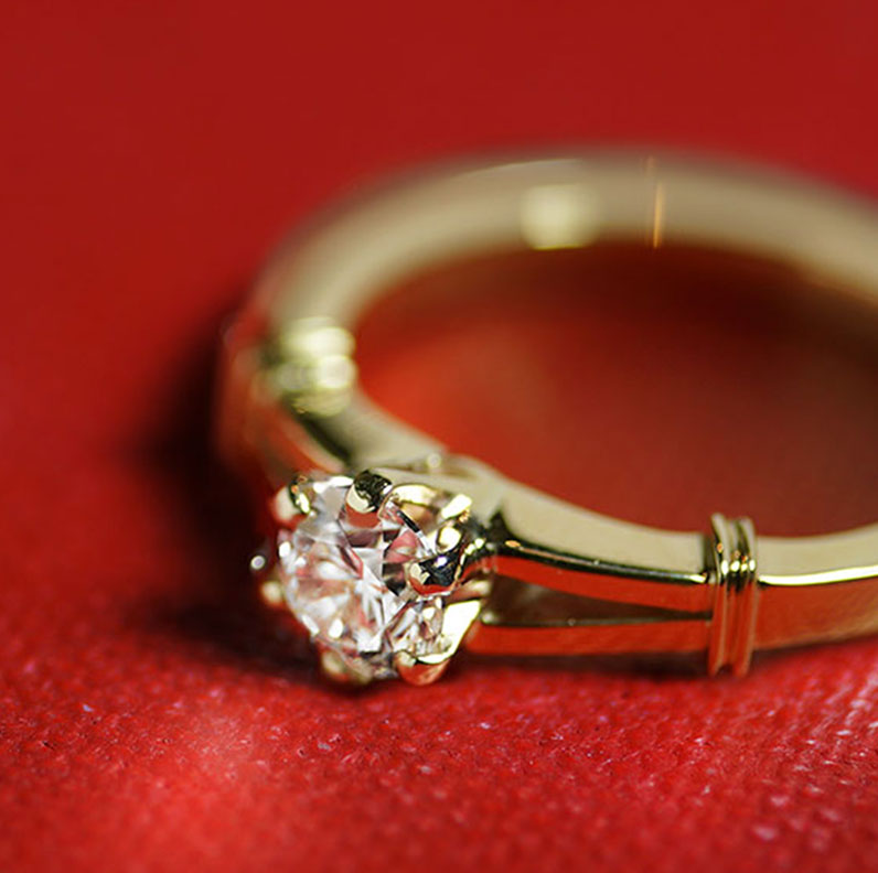 18679-edwardian-inspired-yellow-gold-engagement-with-diamond_9.jpg