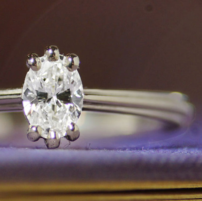 18695-white-gold-engagement-with-claw-set-oval-diamond_9.jpg