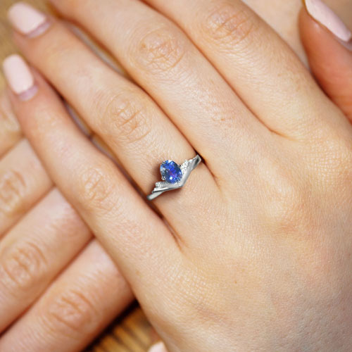 18905-book-inspired-platinum-diamond-and-sapphire-engagement-ring_5.jpg