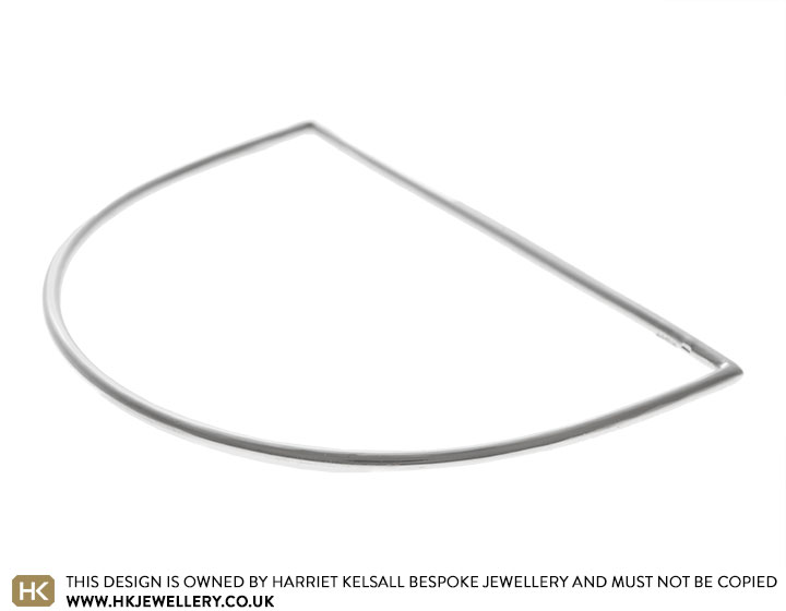 19126-sterling-silver-d-shaped-bangle_2.jpg