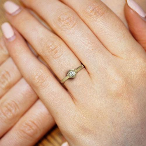 19083-yellow-gold-hexagonal-engagement-ring-with-hexagonal-set-diamond_5.jpg