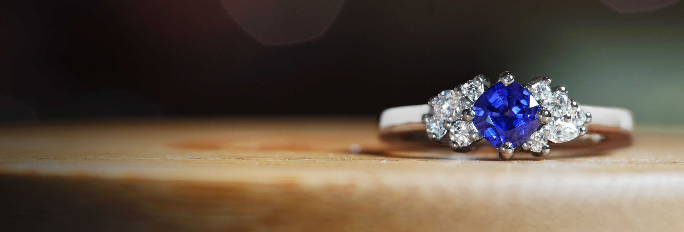 palladium-sapphire-and-multicut-diamond-cluster-engagement-ring