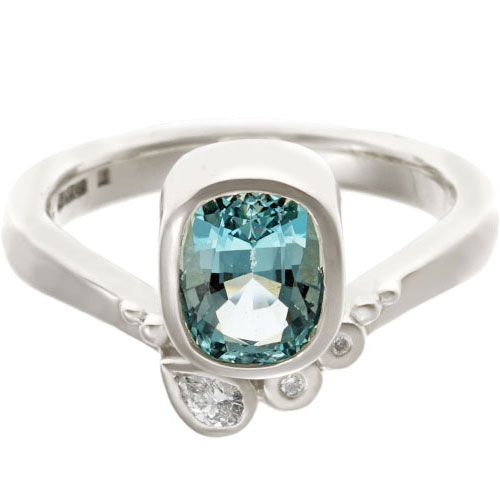 17986-white-gold-engagement-ring-oval-aquamarine-diamond_6.jpg