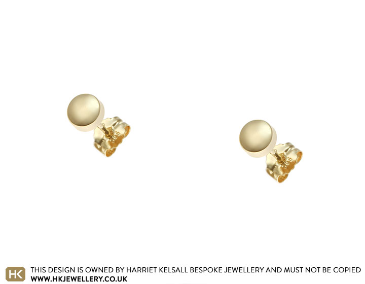 20332-yellow-gold-round-shaped-stud-earrings_2.jpg
