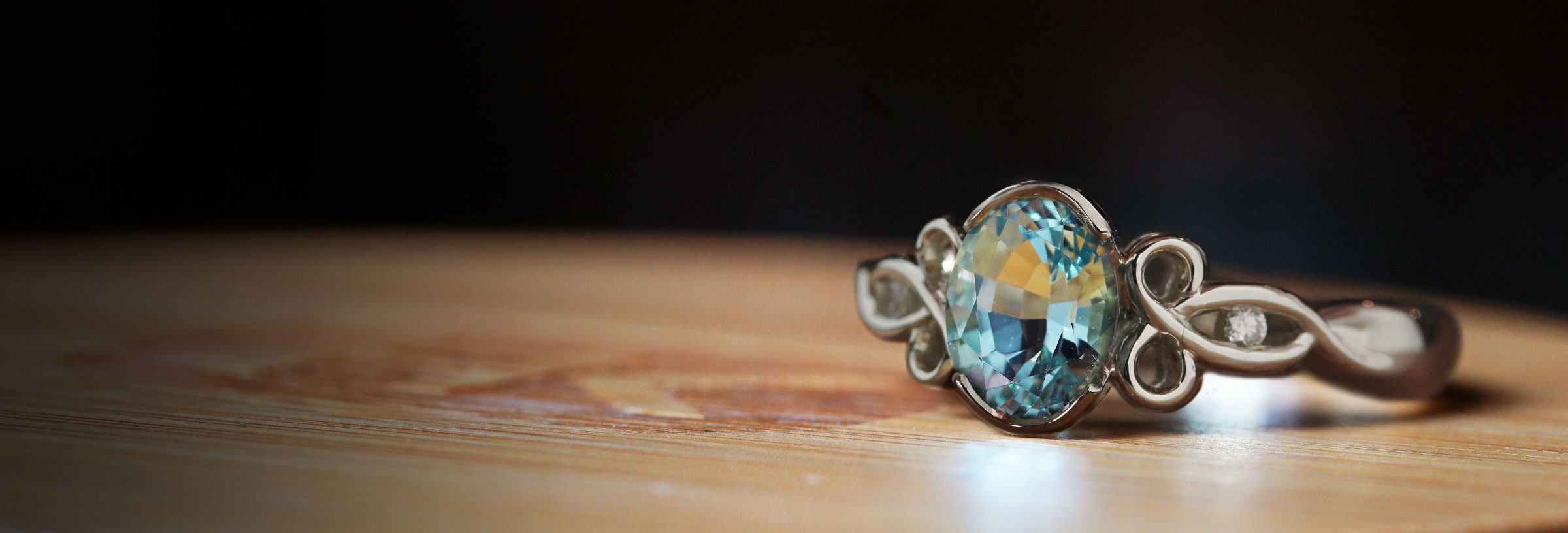 white-gold-mozambique-aquamarine-and-diamond-engagement-ring