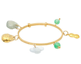 20392-yellow-gold-adjustable-childs-bangle-with-jade-charms_1.jpg