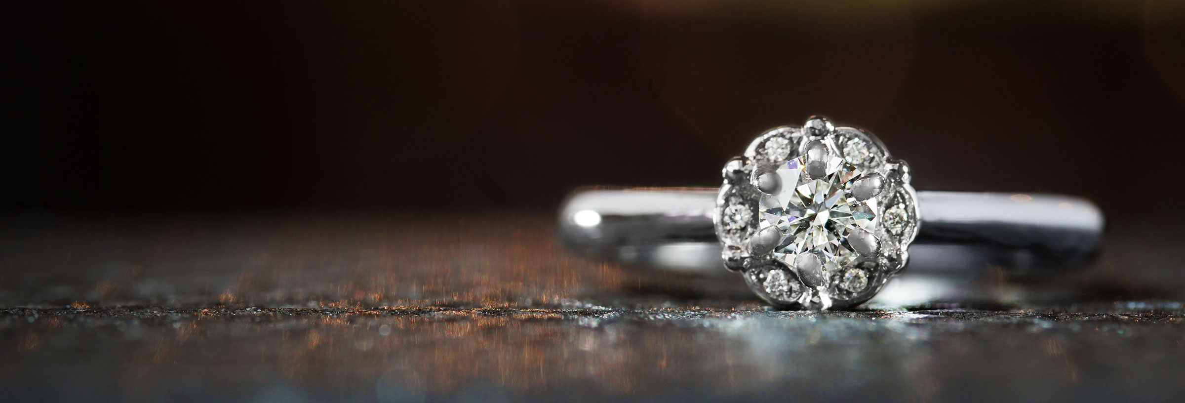 palladium-and-diamond-floral-cluster-engagement-ring