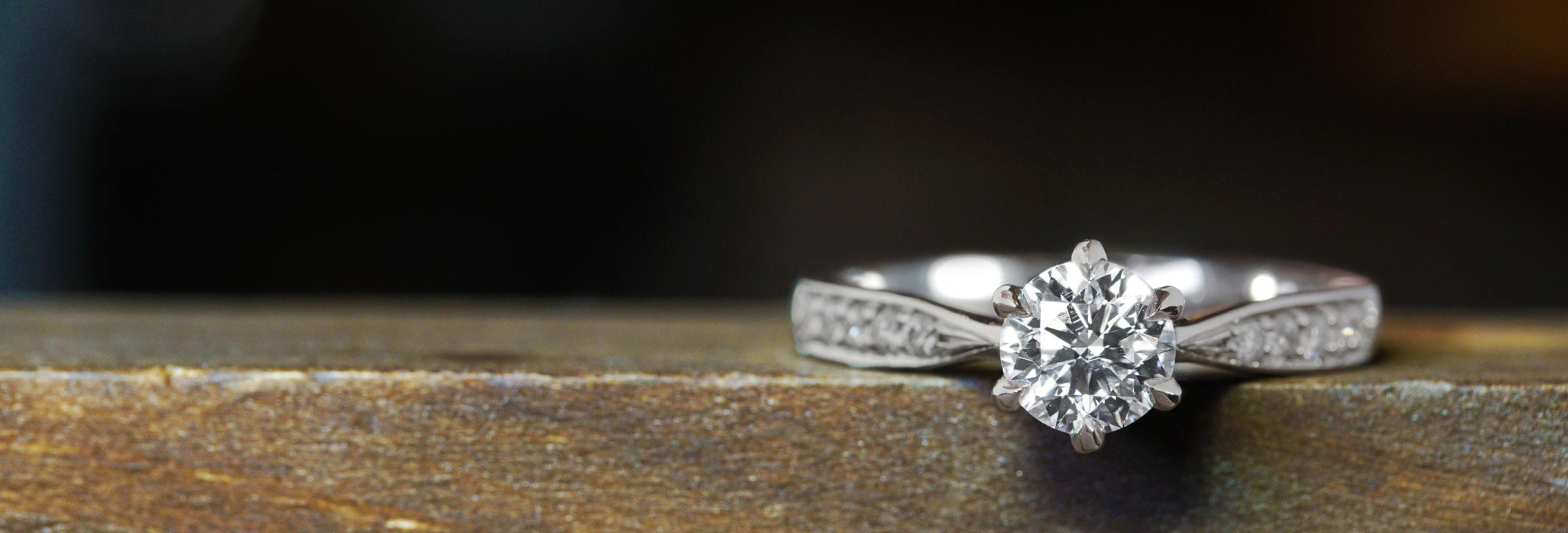 diamond-and-platinum-snowflake-inspired-engagement-ring