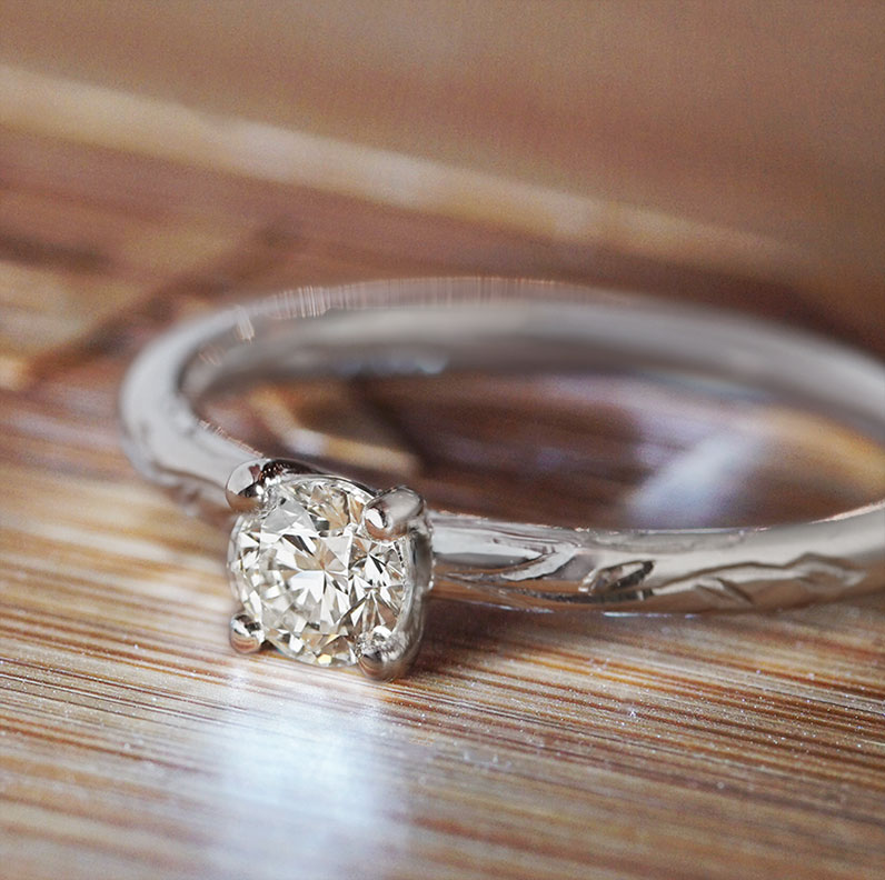 20463-platinum-and-diamond-solitaire-floral-engraved-engagement-ring_9.jpg