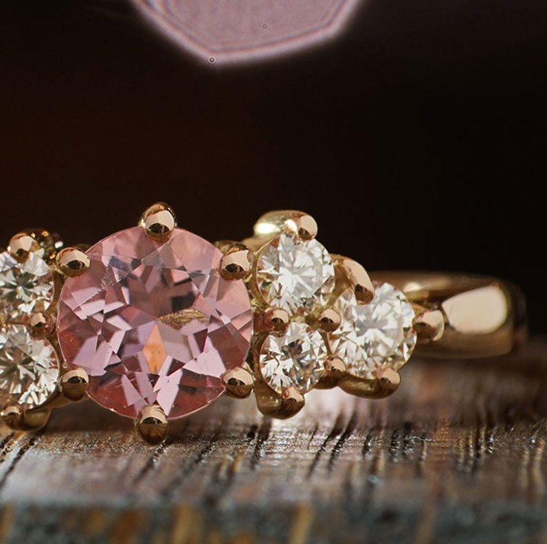 19041-rose-gold-diamond-and-morganite-engagement-ring_9.jpg
