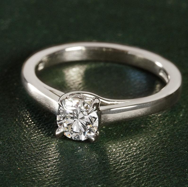 19043-white-gold-and-diamond-eye-of-horus-inpired-engagement-ring_9.jpg