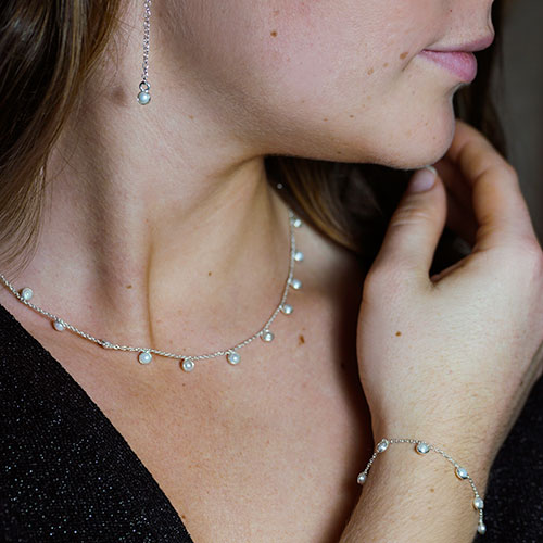 21117-sterling-silver-frilly-ivory-pearl-bracelet_3.jpg