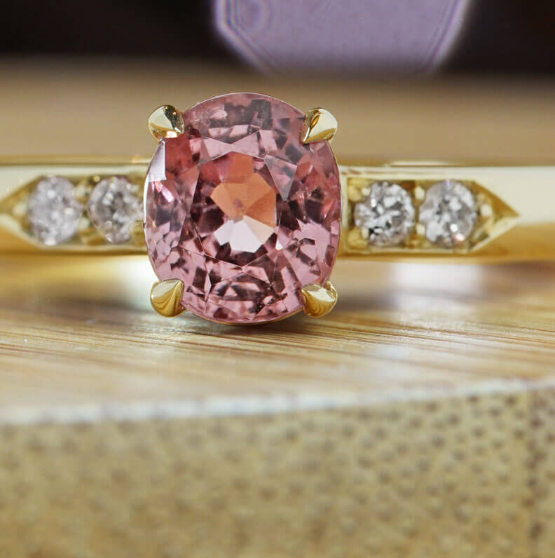 20582-yellow-gold-diamond-and-peach-spinel-engagement-ring_9.jpg