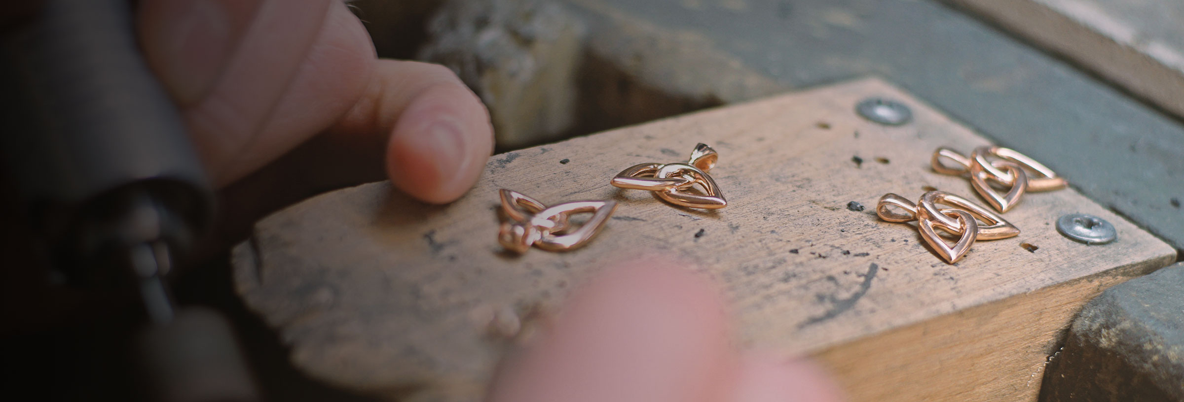 leaf-inspired-fairtrade-9ct-rose-gold-pendant