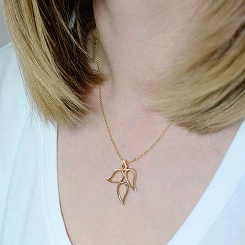 fairtrade-9-carat-yellow-gold-autumn-paisley-necklace-4960_3.jpg