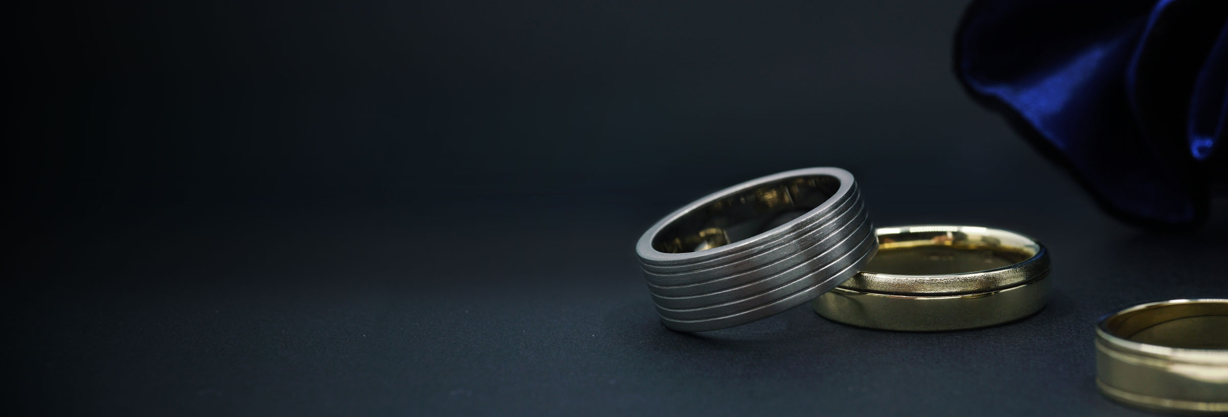 saw-cut-line-wedding-bands-rtw-collection-banner-image
