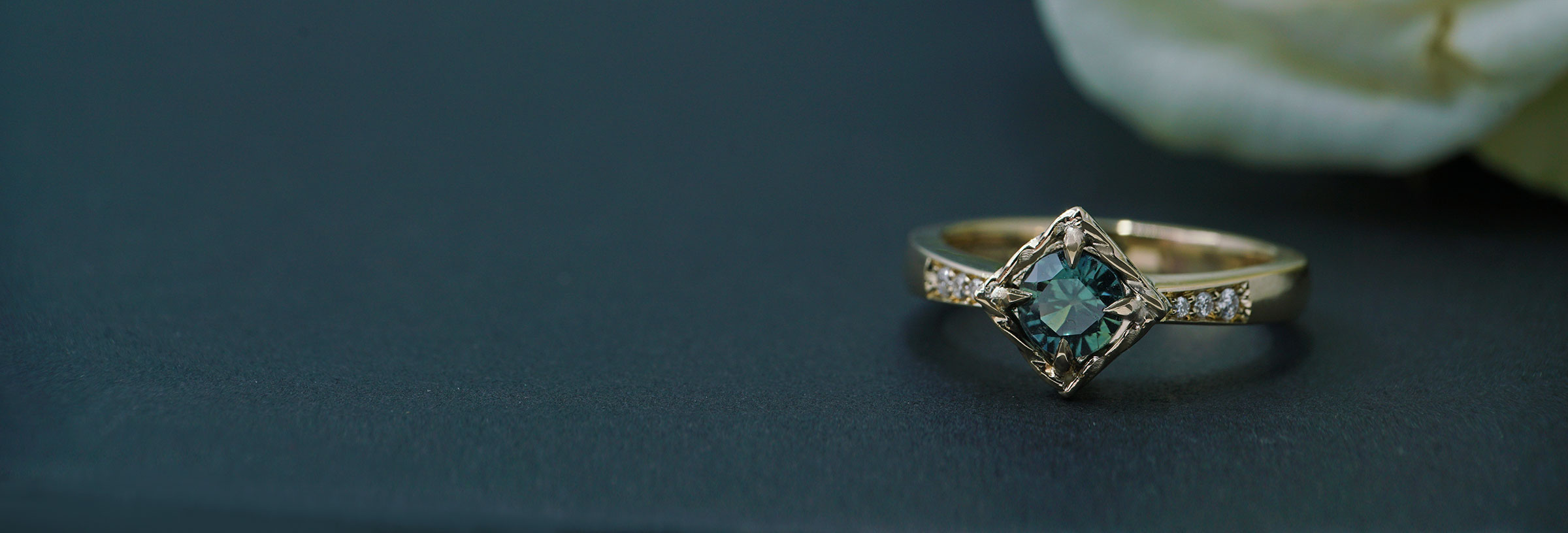 yellow-gold-teal-sapphire-and-diamond-antique-style-engagement-ring