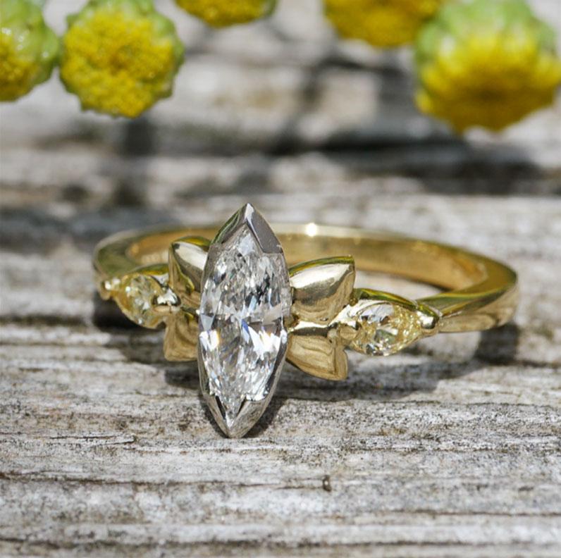 22178-yellow-gold-and-platinum-mixed-coloured-diamond-sunflower-inspired-engagement-ring_9.jpg