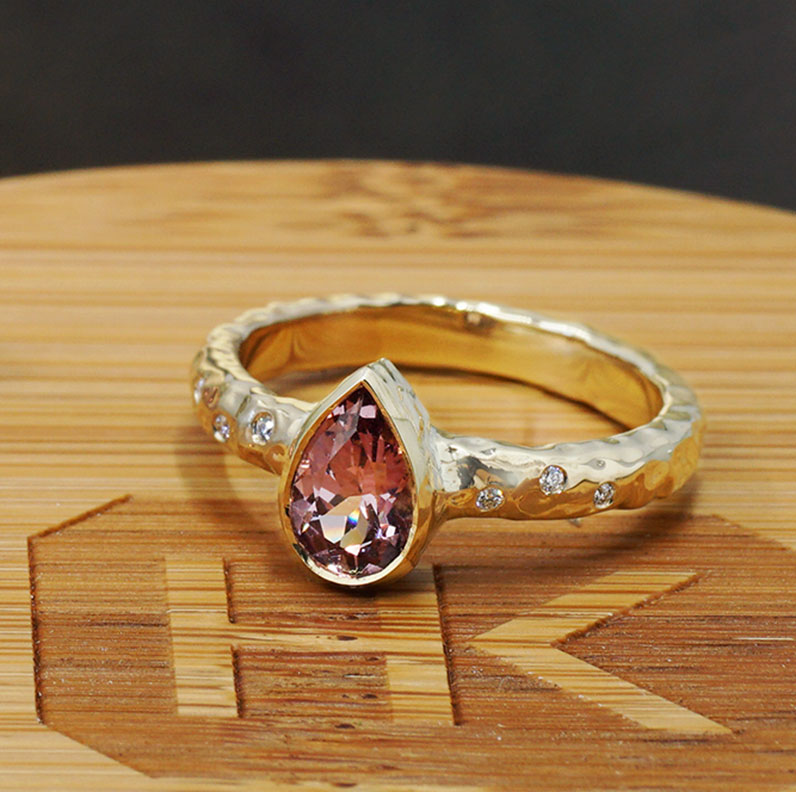 22296-hammered-yellow-gold-diamond-and-pear-cut-garnet-engagement-ring_9.jpg